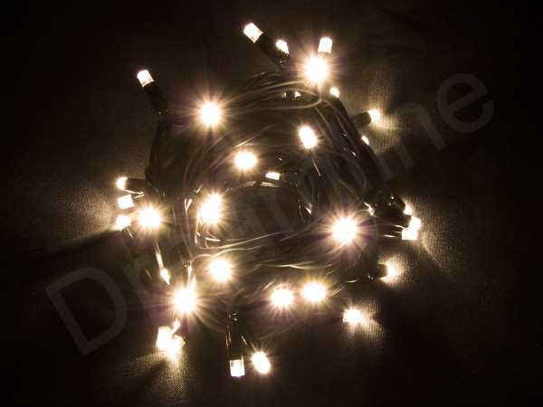 LED Lichterkette Warmweiß mit 8m und 80 LEDs und schwarzem Kabel