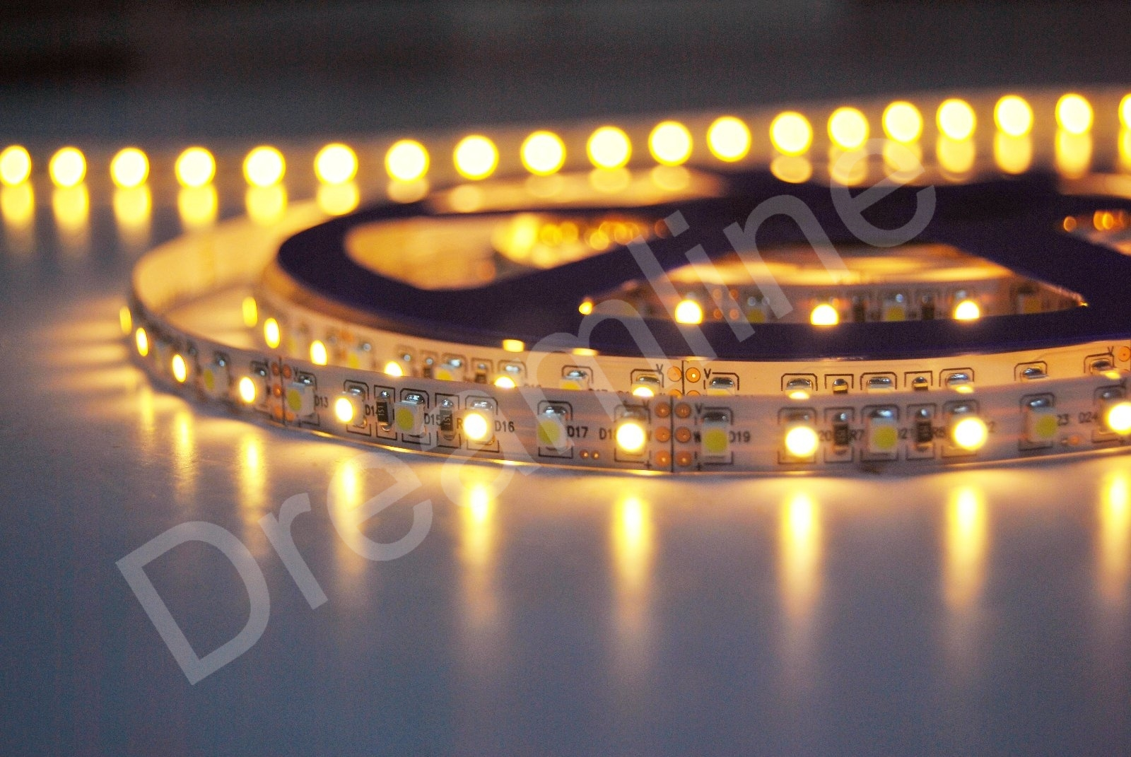 farbtemperatur led strip innen 500cm und 600 smd leds. Black Bedroom Furniture Sets. Home Design Ideas