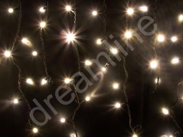 LED Giebelvorhang Warmweiß mit schwarzem Kabel und 49 LEDs